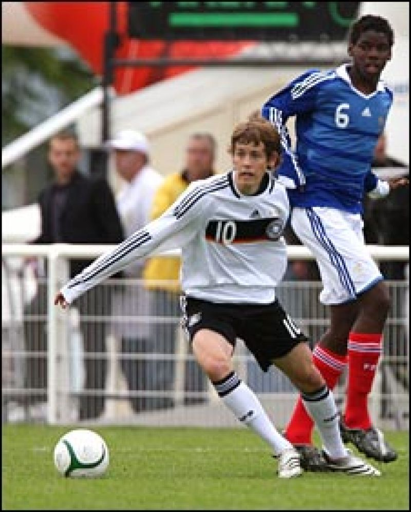 Photo shows a young Paul Pogba (Right) while playing for France under-16.